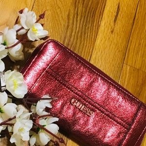 🔥🔥guess red sparkling wallet 🔥🔥make your offe